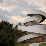 中村拓志&NAP建築設計事務所の建築作品12選。代表作の広島のリボンチャペルなど