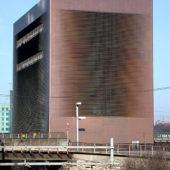 建築家ユニットのヘルツォーク&ド・ムーロンの建築作品6選。代表作のシグナル・ボックスや北京国家体育場(鳥の巣)など